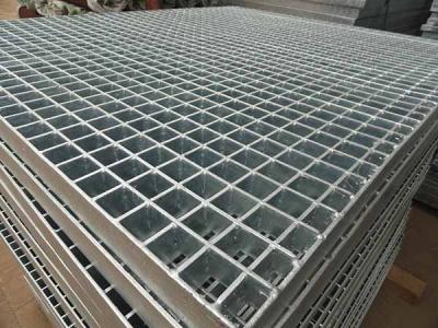 用镀锌钢格板做护栏的4个优点