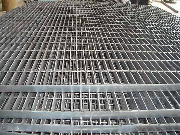 钢格板表面有锌灰原因及控制方法